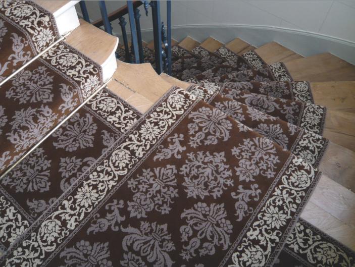 N 588 installer et entretenir un tapis d escalier - Tapis d escalier moderne ...